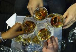 26 Indonesians die after drinking bootleg alcohol