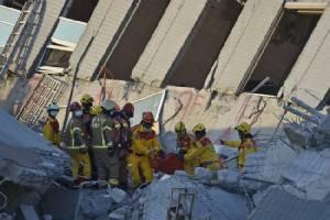 เด็ก 8 ขวบรอดปาฏิหาริย์! ช่วยเหยื่อแผ่นดินไหวไต้หวันได้อีก 3 หวั่นยอดตายอาจทะลุเกินร้อย