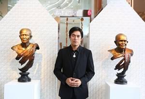 """เปิดโฉมพระพักตร์พระพุทธเจ้า """"สันติ-พิเชฐชัยกุล"""" นักปั้นไทยที่โลกต้องจารึก!"""