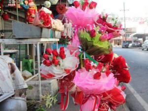 เจ้าของร้านขายดอกไม้ในสตูลยัน ศก.ซบเซายังไม่กระทบกลุ่มลูกค้าสั่งซื้อในปีนี้