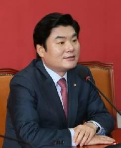 """ผู้นำ ส.ส.รัฐบาลเกาหลีใต้ชี้ถึงเวลาต้องพัฒนา """"ระบบต่อต้านนุก"""" ไว้ต่อกรโสมแดง"""