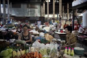 Thai growth accelerates in 2015 but economy remains fragile