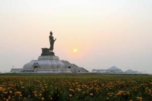 หลายวัดแน่นคนแห่ทำบุญมาฆบูชา-พุทธมณฑลอีสานจัดกิจกรรมส่งเสริมพระพุทธศาสนา