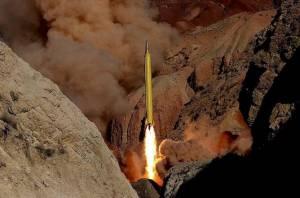 """""""กองกำลังพิทักษ์การปฏิวัติอิหร่าน"""" ระบุเตหะรานจะไม่ยุติโครงการขีปนาวุธ"""