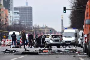 รถบึ้มในเบอร์ลินทำคนผวาคาร์บอมบ์ ตำรวจคาดสาเหตุจากวัตถุระเบิด