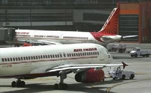 โดนอีกแล้ว! เครื่องบิน 2 ลำในอินเดียต้องอพยพคนออก หลังได้รับแจ้งว่ามีระเบิด