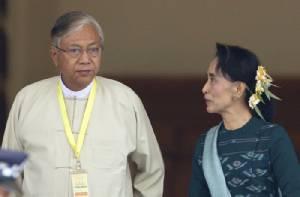 """พรรค NLD ย้ำ """"ซูจี"""" ควบคุมรัฐบาลใหม่ในฐานะหัวหน้าพรรค"""
