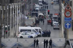 ปิดตายบรัสเซลส์หลังโดนก่อการร้ายโจมตีสนามบิน-สถานีรถไฟ สหรัฐฯ ผวายกระดับป้องกัน