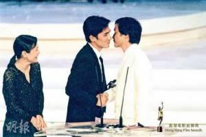 """13 ปีทุกคนยังไม่ลืม """"เลสลี จาง"""" เพื่อน-แฟนคลับร่วมรำลึกถึงการจากไป"""
