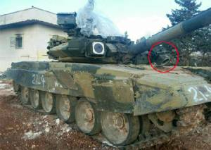 โลกทึ่งรถถัง T-90 คงกระพันคันเก่า โดนจรวด TOW ในซีเรียแค่สีถลอก