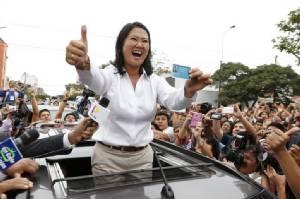 """""""เคอิโกะ ฟูจิโมริ"""" ชนะเลือกตั้งผู้นำเปรูไม่เด็ดขาด-รอลุ้นหยั่งเสียงรอบ 2 ก่อนขึ้นแท่น """"ปธน.หญิง"""" คนแรก"""