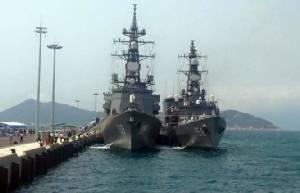 ตามไปดู ..เรือพิฆาตญี่ปุ่น 2 ลำ เยือนอ่าวกามแรงเวียดนาม
