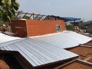 พายุร้อนถล่มโรงพัก-บ้านเรือนพังร่วม100หลัง ผู้ว่าฯหนองคายประกาศเขตภัยพิบัติ