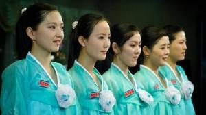 """เกาหลีเหนือเชิญ """"พ่อแม่"""" พนง.หญิงร้านอาหารอัดคลิปโวยเกาหลีใต้ """"ลักพาตัว"""" ลูกสาว"""
