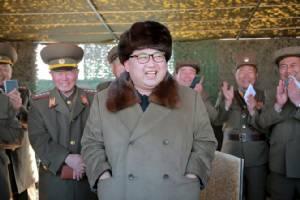 """สื่อเกาหลีเหนืออวยไส้แตก ยก """"คิมจองอึน"""" เป็น """"ดวงตะวันแห่งศตวรรษที่ 21"""""""