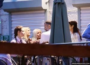 """ลากไปกินในร้าน? """"กิกส์"""" กระหยิ่มคุย 4 สาว ไม่สนเมียขอแยกทาง"""