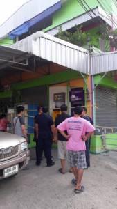 คนร้ายบุกงัด 2 ตู้เอทีเอ็มย่านคลองหลวง โชคดีเจ้าของบ้านลงมาเปิดร้าน ก่อนหนีลอยนวล