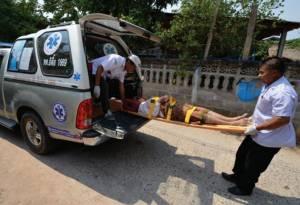 """ธนาคารโลก หนุนกองทุนสุขภาพตำบลขยาย จัดรถรับส่ง """"คนแก่-ผู้ป่วยเรื้อรัง"""""""