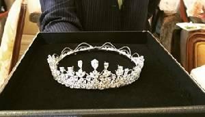เสี่ยหนึ่ง สั่งทำเทียร่า 85 กะรัต ให้แหวนแหวนสวมในงานวันเกิด