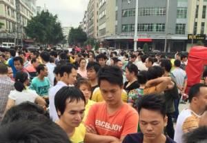 ลูกจ้างรายวัน ต่อลมหายใจโรงงานผลิตสินค้าใช้แรงงานในจีน