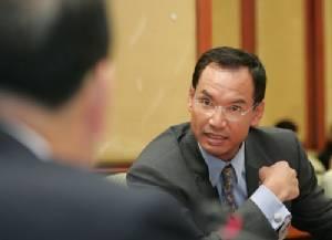 "DSI ไม่ฟ้อง ปชป.หักเงินเดือนเข้าพรรค ""กรณ์"" ซัดเพื่อไทยป้ายสีกลั่นแกล้ง"