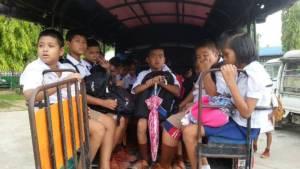ที่แท้เป็นพม่า! คนขับรถตู้หนีข้ามฝั่งเมย-หลังซิ่งจนเด็ก นร.กระเด็นตกถนน