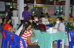 """ปลัด สธ.ชู """"ประชารัฐ"""" แก้ปัญหาแรงงานต่างด้าวรักษาตัวในไทย"""