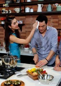 """มดขึ้นครัวจ้า! """"ชาคริต"""" โชว์เสน่ห์ปลายจวักมัดใจเมีย ใน """"เลดี้ก้นครัว"""""""