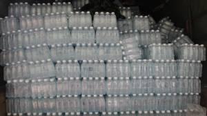 เสนาธิการทหารช่างราชบุรีระดมทุนกลุ่มญาติซื้อน้ำดื่มแจก ร.ร.ถิ่นกันดารพื้นที่ปากท่อที่ประสบภัยแล้ง