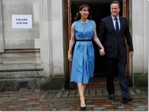 """Live บรรยากาศสดจากอังกฤษ: """"เดวิด คาเมรอน"""" ควงแขนภรรยาเข้าคูหาโหวตประชามติ """"เบร็กซิต"""""""