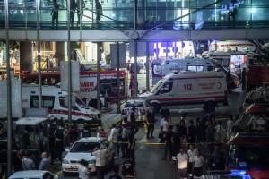 ยอดเหยื่อบึ้มสนามบินหลักตุรกีพุ่ง 28 ศพ ปธน.ร้องโลกร่วมมือสู้ก่อการร้าย