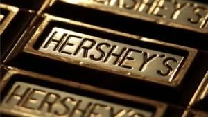 """""""มอนเดลีซ"""" เงิบ! """"เฮอร์ชีส์"""" เมินข้อเสนอ $23,000 ล้านฮุบแบรนด์ช็อกโกแลตชื่อดัง"""