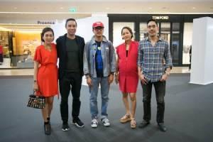 """การรวมตัวครั้งใหญ่ของเซเลบริตี้ฮิปสเตอร์ เมื่อศิลปินดัง """"KAWS"""" เปิดงานครั้งแรกในโลกที่ไทย"""