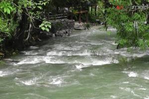 อุทยานเขาสกห้ามนักท่องเที่ยวเข้าจุดเสี่ยง หลังฝนตกหนักน้ำสะสมบนภูเขามาก