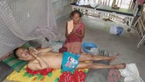 เคราะห์ซ้ำกรรมซัด หญิงวัยไม้ใกล้ฝั่งต้องรับภาระดูแลครอบครัว 4 ชีวิต
