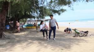 วันหยุดยาวทำหาดคุ้งกระเบนสุดคึก คาดสะพัด 10 ล้าน