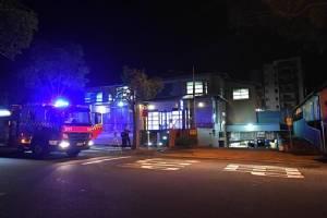 'No terror link' in Australia police station scare