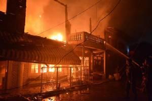 ไฟไหม้ทาวน์เฮาส์ซอยเพิ่มสิน เขตสายไหม วอด 8 หลัง-ไร้คนเจ็บ