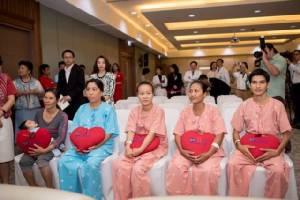 ผ่าตัดหัวใจเพื่อนบ้าน ช่วยผู้ป่วยหัวใจพิการยากไร้ในเวียดนาม