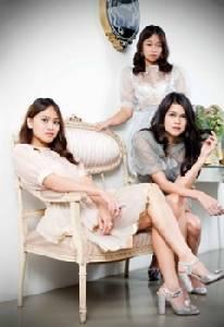 สามสาวสเรทซิสนำเสนอแฟชั่นผ่านมุมมองศิลปะแบบร่วมสมัย