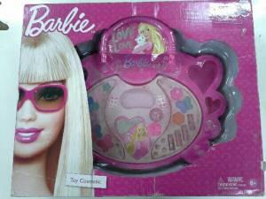 """อย.ฟันบริษัทนำเข้า-ผู้ขาย เครื่องสำอางของเล่น """"Barbie"""" ไม่จดแจ้ง แถมหมดอายุ"""