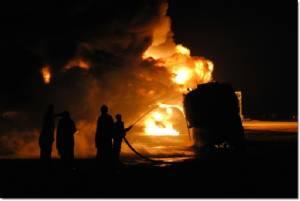 รถบัสโดยสารประสานงารถบรรทุกขนน้ำมันกลางถนนอัฟกานิสถาน ไฟลุกท่วม ดับไม่ต่ำกว่า 36