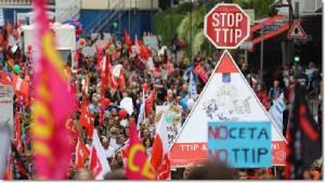 "InClip:เยอรมัน-ออสเตรียหลายแสนเดินขบวนไม่เอา ""ข้อตกลงการค้าสหรัฐฯ TTIP และ CETA ของแคนาดา"""