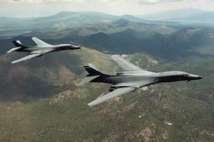 """""""เครื่องบินทิ้งบอมบ์มะกัน"""" บินเหนือโสมขาว โชว์กำลังข่มเกาหลีเหนืออีกรอบ"""