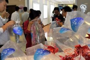 """เร่เข้ามา! ห้างสรรพสินค้าจีนอัด """"อากาศบริสุทธิ์"""" ใส่ถุงขาย ราคาเพียงถุงละ 1 หยวน  (ชมภาพ)"""