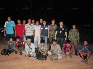 จับแรงงานเถื่อนชาวพม่า 7 คน ขณะถูกนายหน้านำซุกป่าสวนยางรอส่งเข้ามาเลเซีย