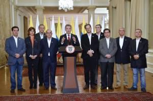 """รัฐบาลเงิบ! ชาวโคลอมเบียลงประชามติ """"คัดค้าน"""" ข้อตกลงสันติภาพกับกบฏ FARC หลังรบกันมากว่า 50 ปี"""