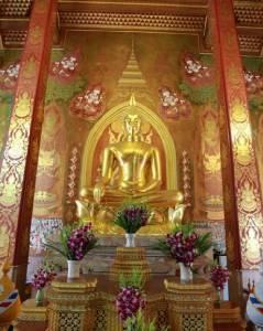 """""""พระพุทธนวราชบพิตร"""" พระประธานหนึ่งเดียวของไทย ณ วัดตรีทศเทพ"""