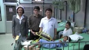 สังเวย! ก่อนออกพรรษา ประทัดบึ้มใส่มือหนุ่มอุดรฯ หามส่งโรงหมอ