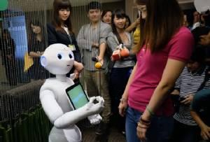 """Mini """"Pepper"""" robots start new jobs in Taiwan"""